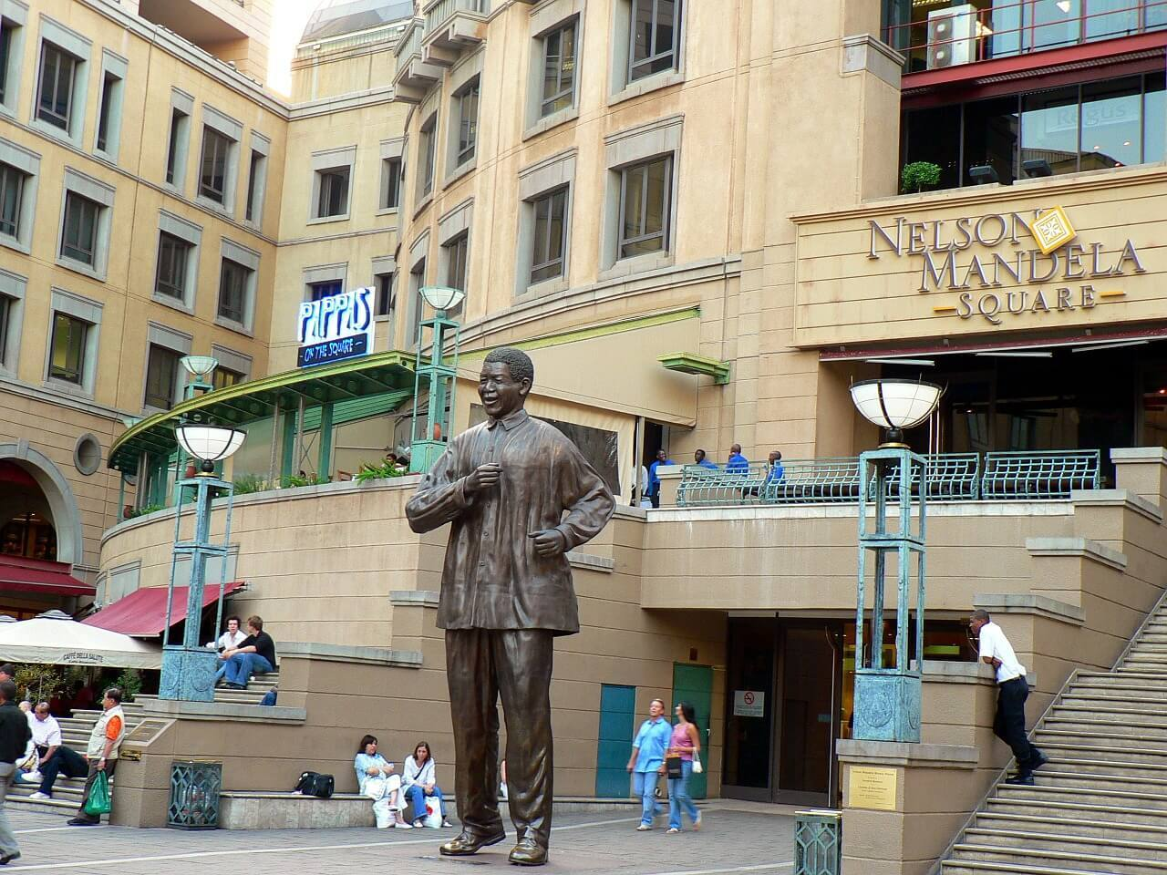 Nelson Mandela Square - Things to do in Johannesburg