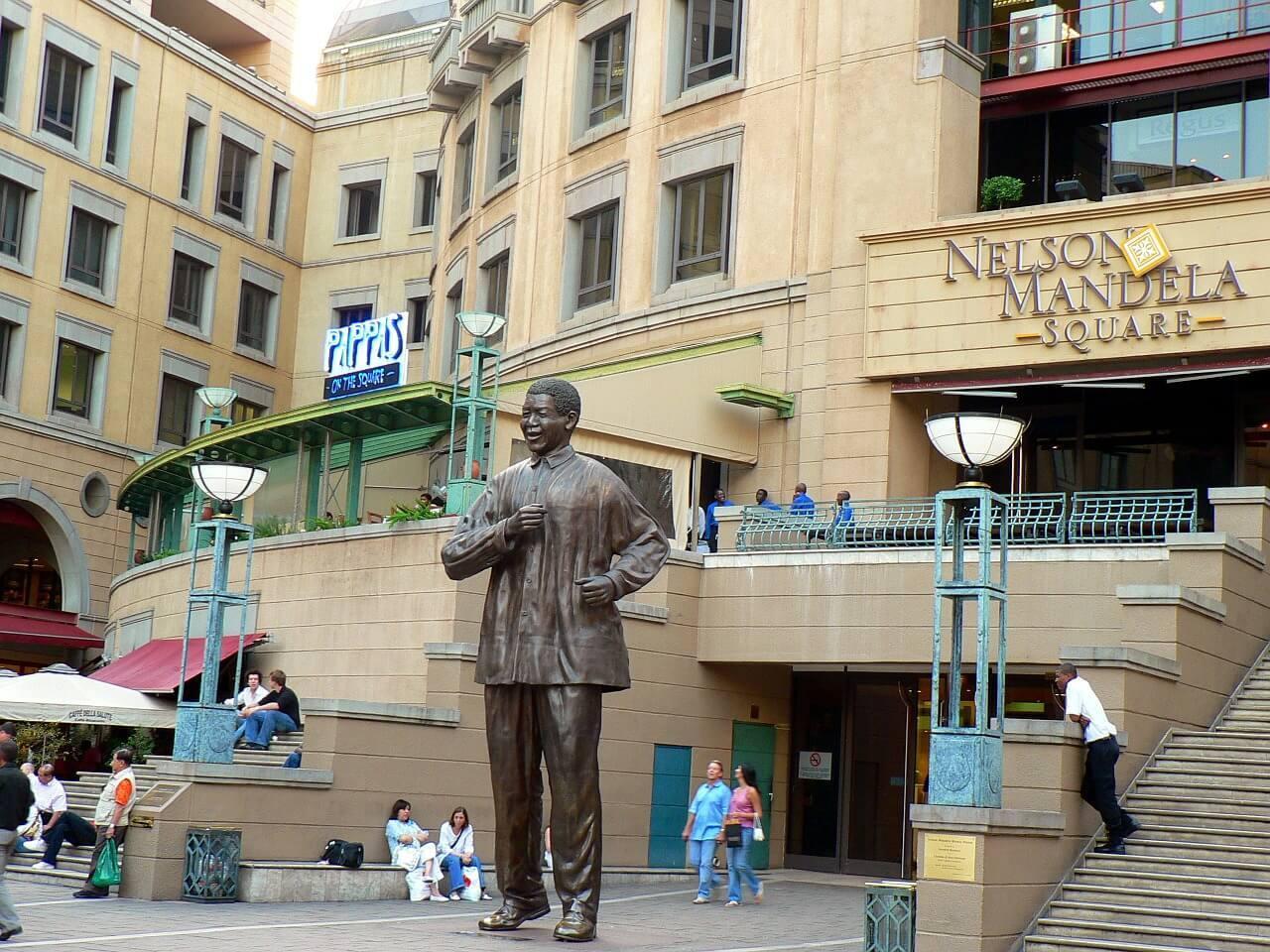 Nelson Mandela Square - Things to do in Johannesburg