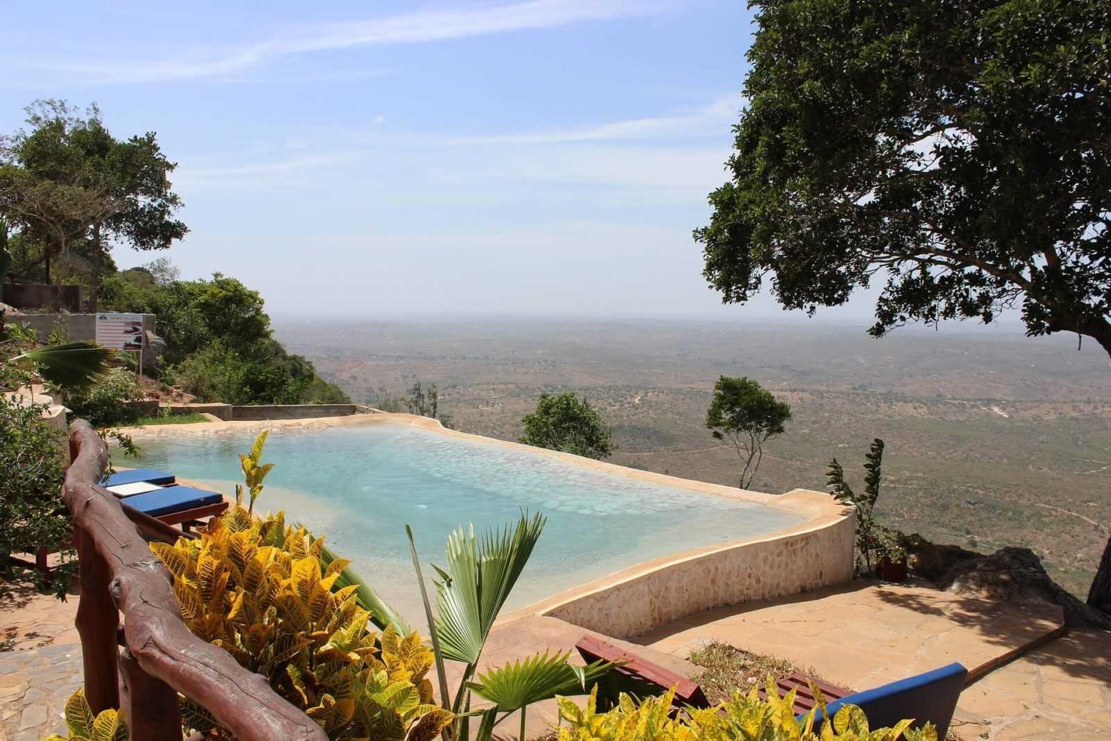 Kenya's National Parks - Safari Lodge