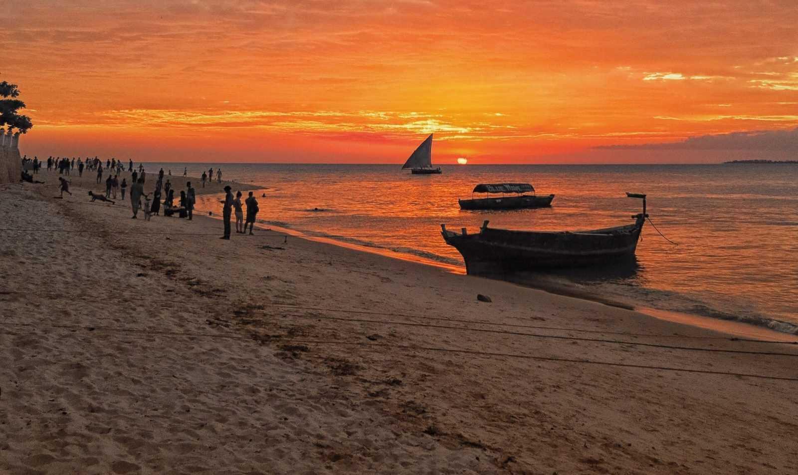 Zanzibar_tour_beach_sunset