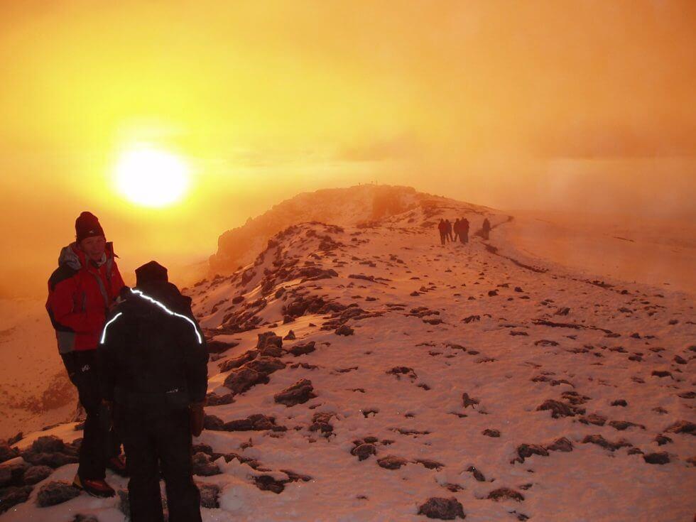 Climbing_Mount Kilimanjaro_uhuru_peak
