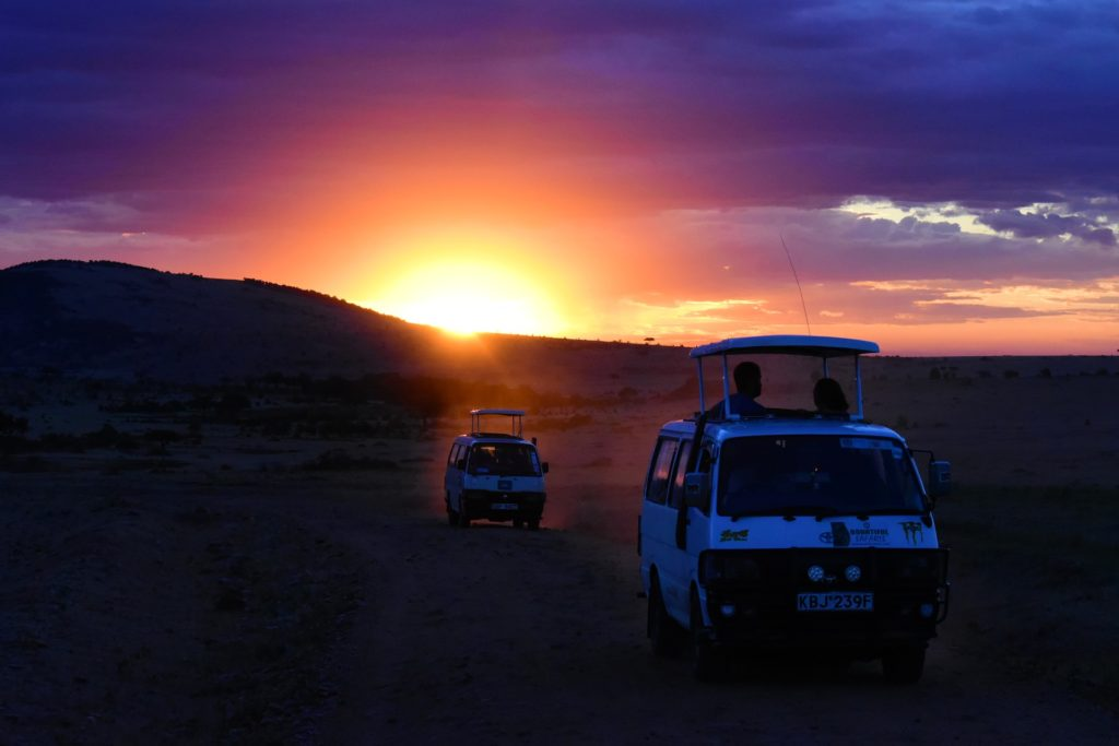 Serengeti_National_Park_Safari_Sundown