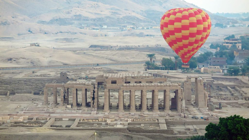 holidays to Egypt 2020  the valley of the kings hot air ballon