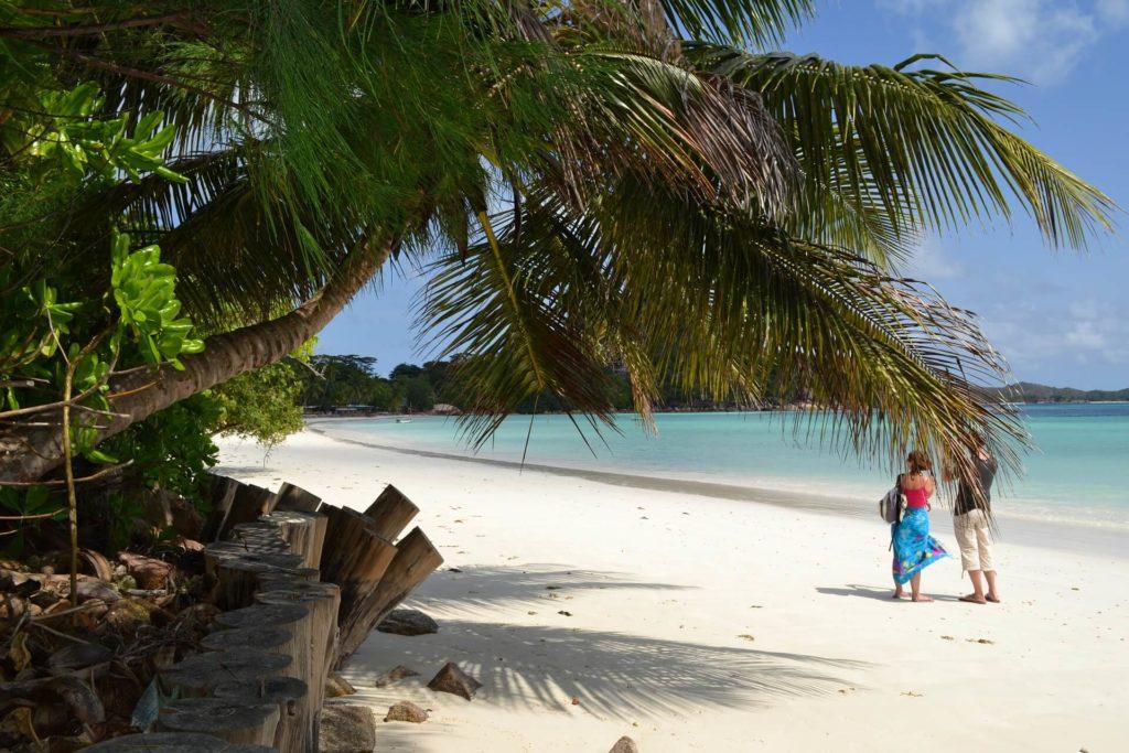 Seychelles Holidays Praslin Bbeach