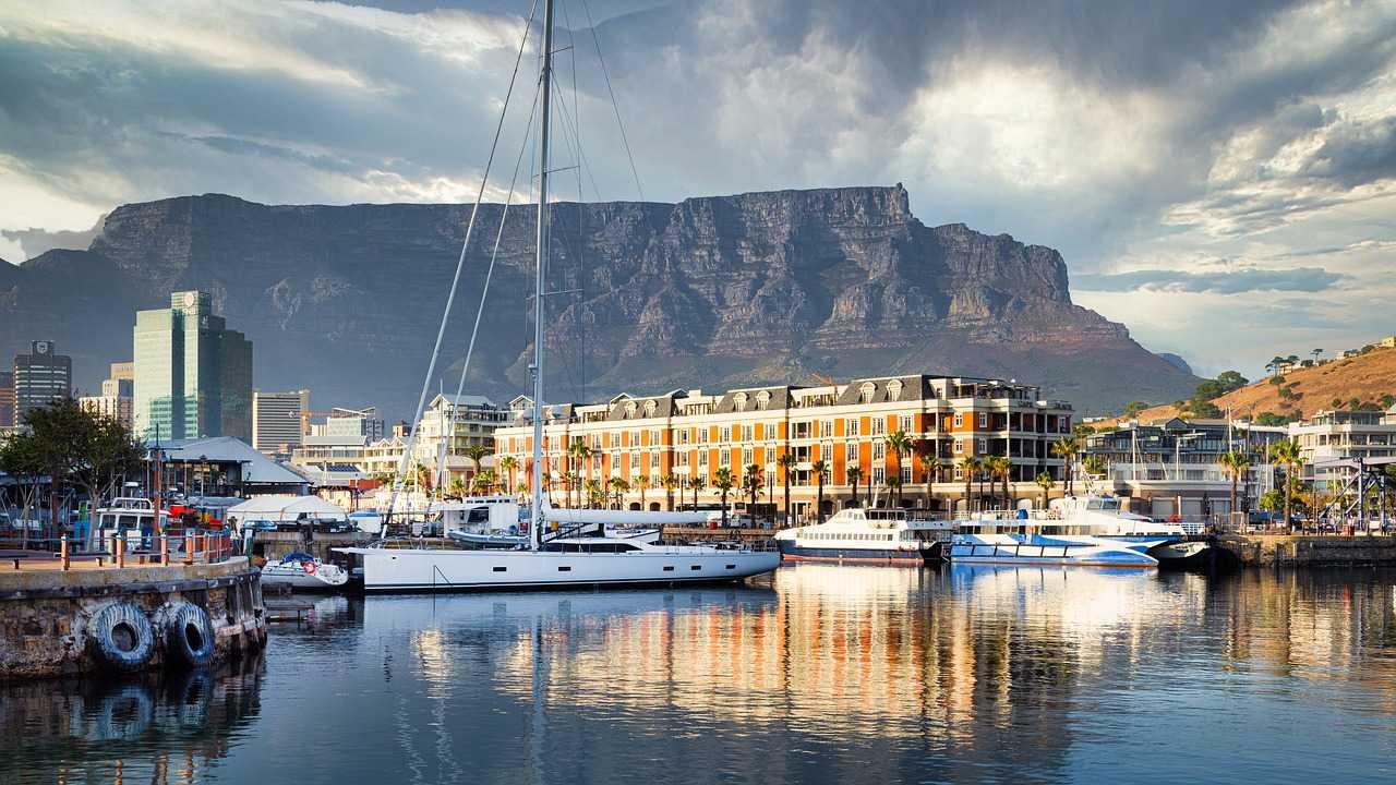 Sail a yacht around Robben Island