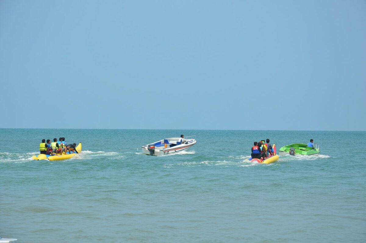 Banana-Boat Rides